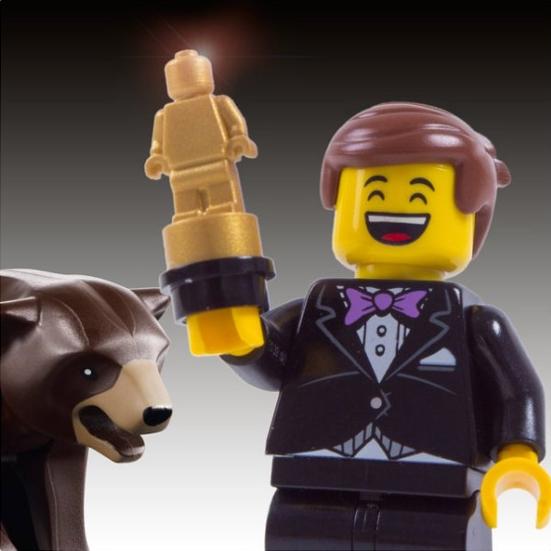 Ситуативный маркетинг – Леонардо ди Каприо с оскаром в виде фигурки лего